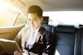 Singapore: Chauffeur Drive 5% off
